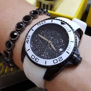 Weekend sale-1 IN STOCK-Invicta ladies watch